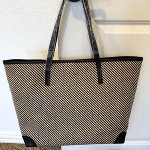 Banana Republic straw/leather handbag
